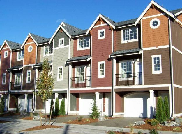 Thebestsellers sutton grp west coast realty resources for Townhouse exterior design